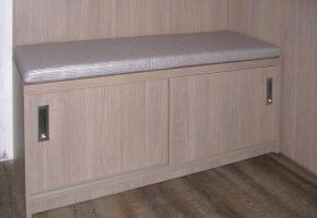Vestavěná skříň a nábytek na míru 1