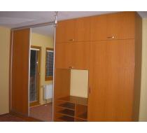 vestavěné dřevěné skříně 2
