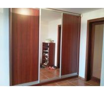 Interiér vestavěné skříně 2