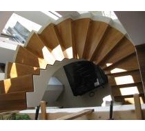 Vřetenové schodiště 2